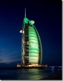El Burj Al Arab Hotel de Dubai, foto de la página de Turismo de Irlanda