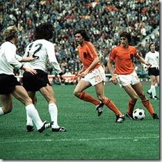Alemania Holanda Vogts Overath Suurbier Cruyff