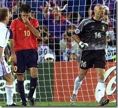 Raúl tras fallar el penalti contra Francia