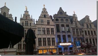 10. Amberes, casas en Grote Markt