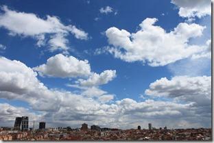 Su mejor novela, nubes de Madrid